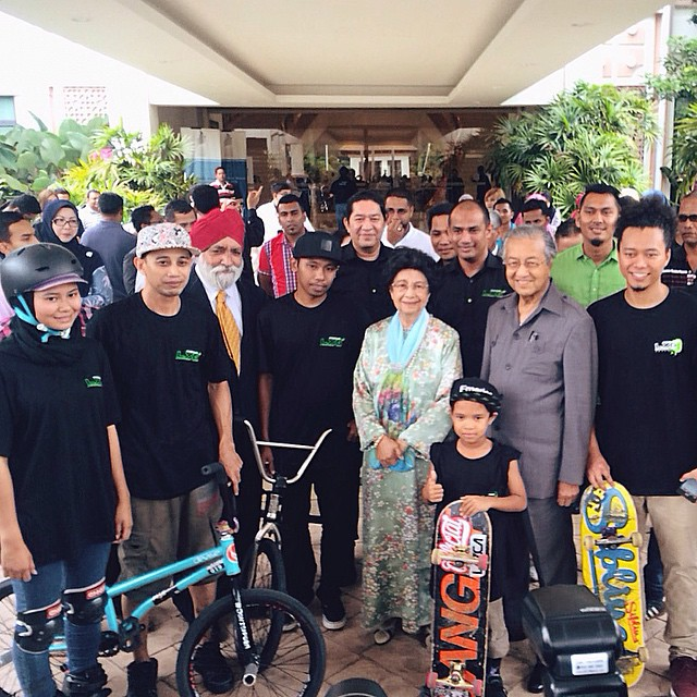 One of my best experiences in BMX. Making a demo for Tun Dr Mahathir Mohammad.. #bmxlife #bmx #tunmahathir